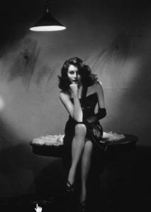 ava,gardner,black,and,white,film,film,noir,film,still,femme,fatale-ad67f6844d09d3d898d0898de34aabe9_h
